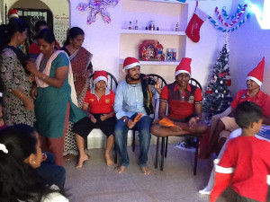 Christmas-2014-Singing-christmas-carols-min
